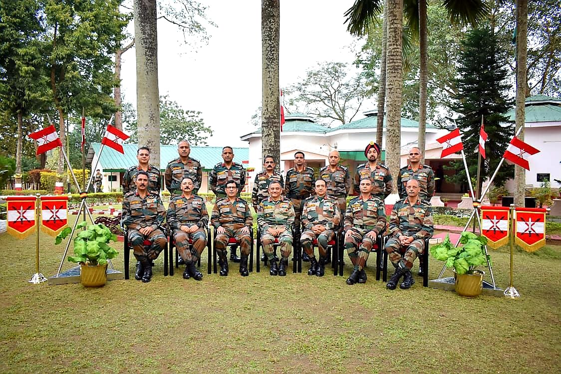 Eastern Army Commander visits Spear Corps Zone in Kolkata, see pics