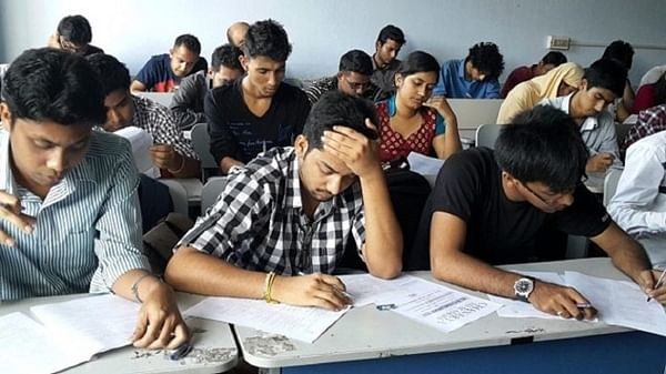 Mumbai: Court orders Andheri-based IIT coaching class to pay Rs 1 lakh to student