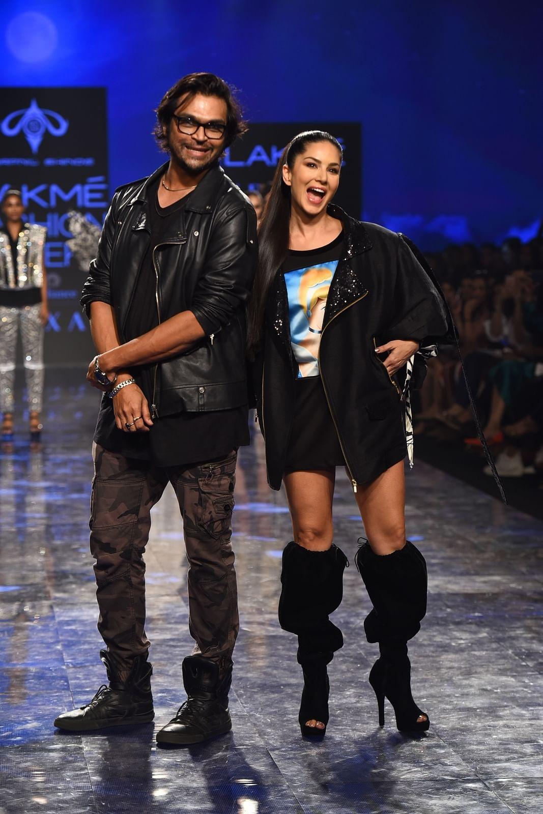 Swapnil Shinde with Sunny Leone