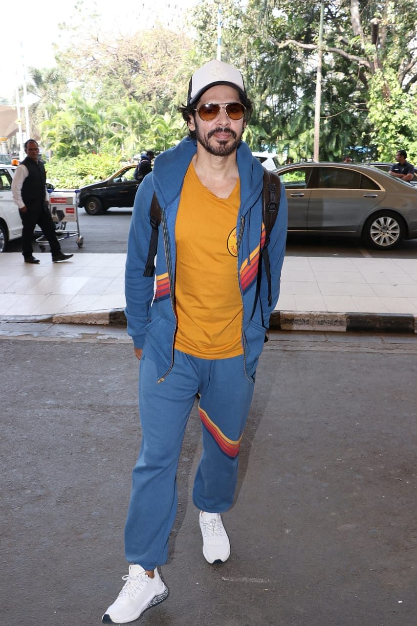 Dino Morea at Mumbai airport