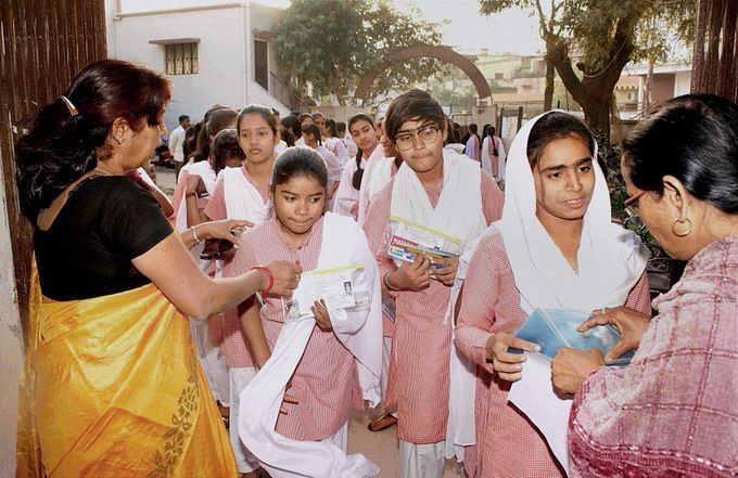 West Bengal Madhyamik examination:  56.7% of candidates are girls, highest in recent years