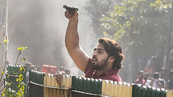 Delhi Violence: Were Shahrukh and Tahir working helping the Delhi police?