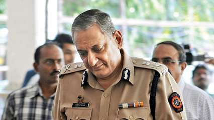 Rakesh Maria's Kasab flutter: State Home Minister takes note