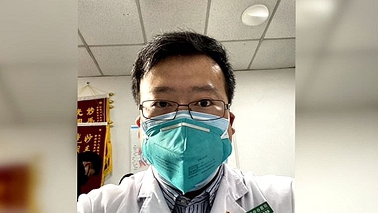 Chinese doctor who first warned about coronavirus outbreak dies