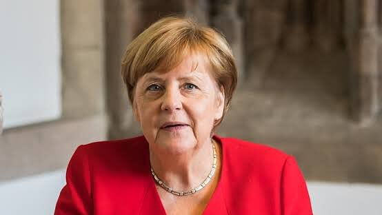 Angela Merkel's 'heir' gives up on chancellor role