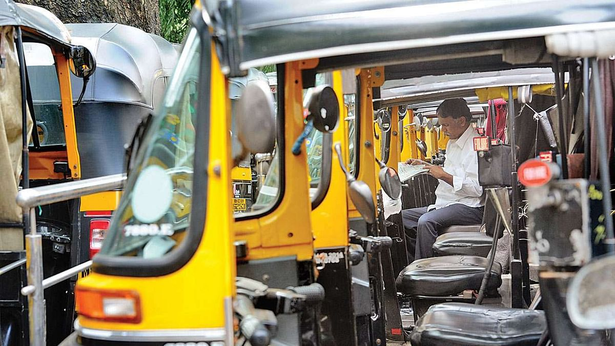 Mumbai: RTO cancels 348 auto licences for fare refusal