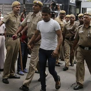 Nirbhaya rape case: Convict Vinay Sharma attempts to hurt himself, receives minor injuries