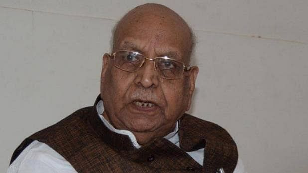 Glitch stops plane on runway: Close shave for Governor Lalji Tandon