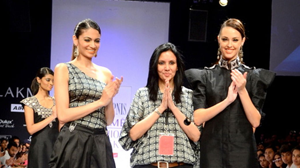 The Way We Were Ahead Of Lakme Fashion Week The Fashion Fraternity Takes A Walk Down Memory Lane