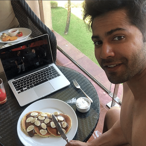 Ek number breakfast: Varun Dhawan gorges pancakes to celebrate wrap up of 'Coolie No 1'