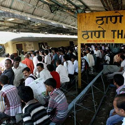 Day 1 of central railway AC local; stampede-like scene at Thane
