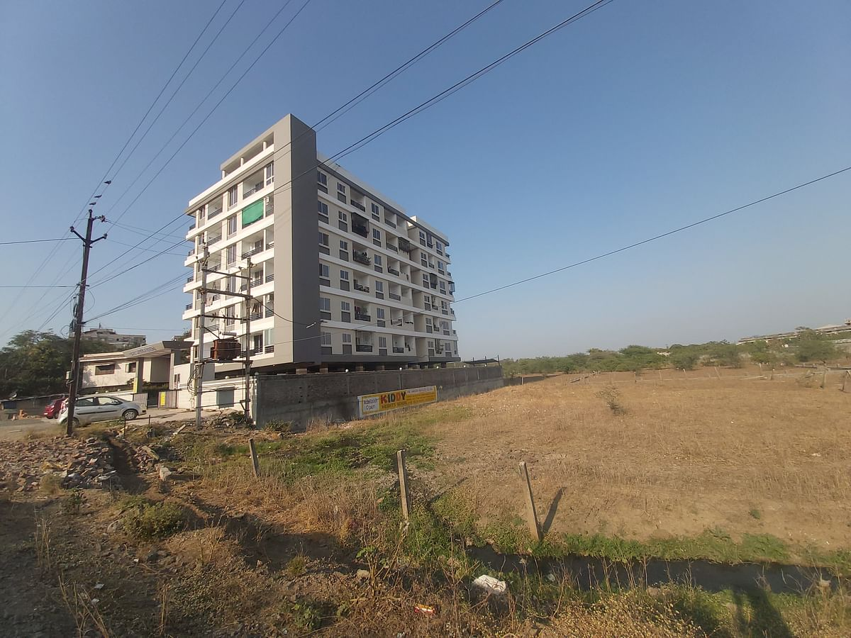 Open sewage at a plot due to Shri Suryansh Homes society