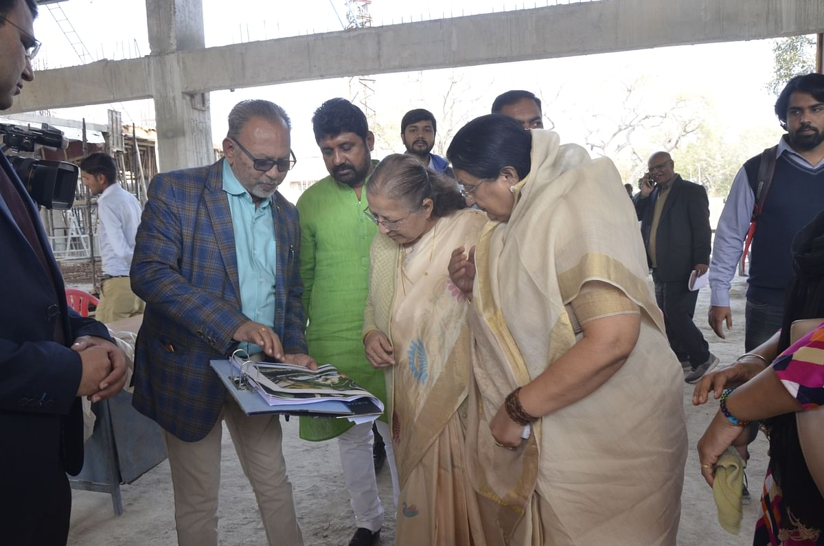 Indore's Kala Bhawan should be like the one in Pune: Sumitra Tai to officers