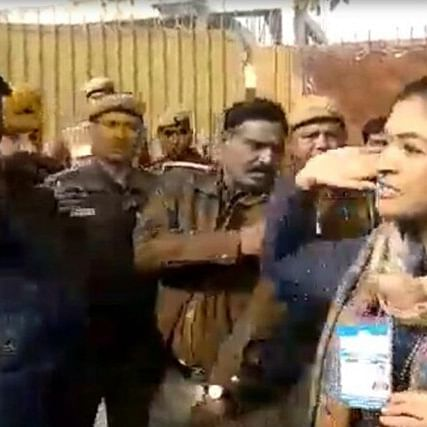 Delhi Election 2020: Former AAP MLA and Cong leader Alka Lamba tries to slap AAP worker