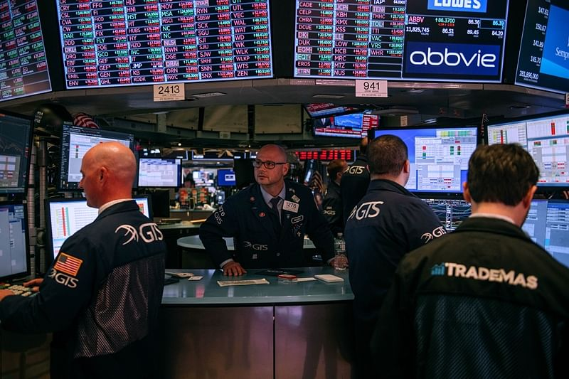 Dow Jones plunges 1,000 points for 3rd day – its largest single-day point loss; Europe, Asia too in free fall