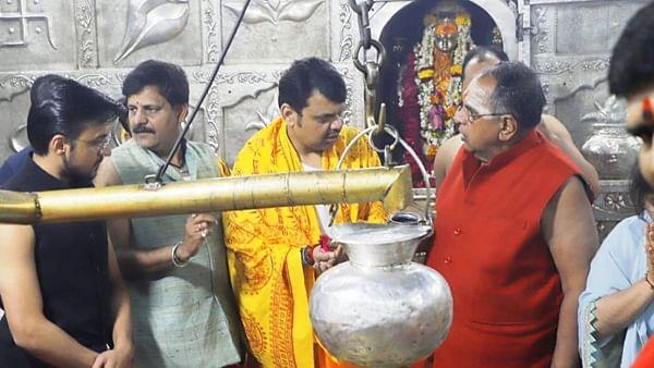 Ujjain: Anurag Thakur, ex-CM Devendra Fadnavis pay obeisance to Mahakal
