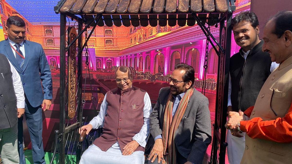 Indore: Union minister Mukhtar Abbas Naqvi, Governor Lalji Tandon inauguate Hunar Haat