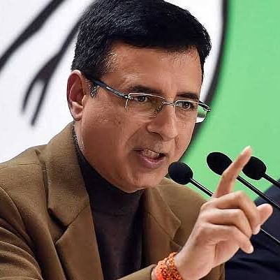 Congress sees govt hand in Rs 1.6L-cr loot from prepaid mobile users