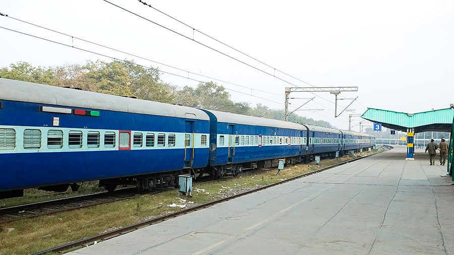Madhya Pradesh: Western Railway to run 3 special trains to clear extra rush during Holi