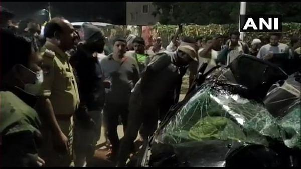 1 dead, 5 injured after car hits divider and falls off Bharat Nagar flyover in Hyderabad