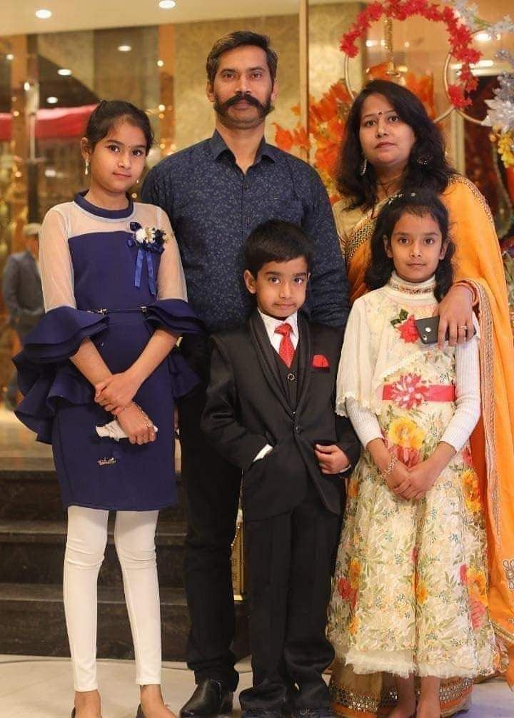 Head Constable Ratan Lal and his family