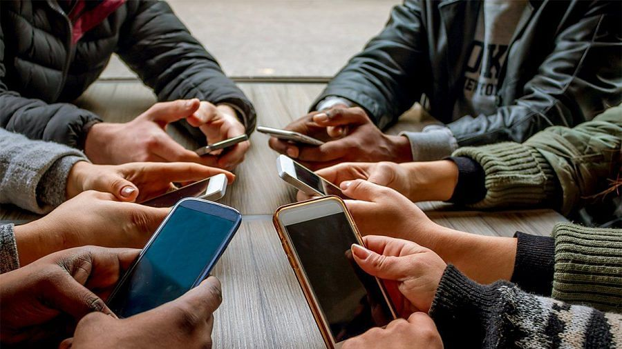 Excessive use of smartphones may trigger off suicides