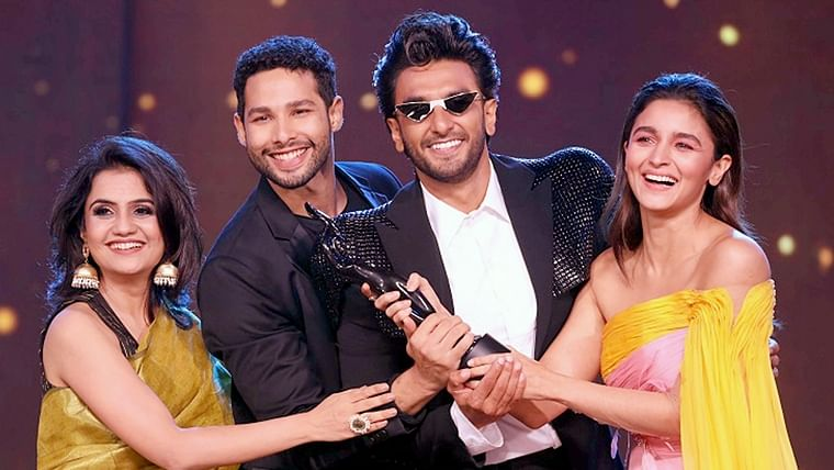 Filmfare 2020: After 'Gully Boy' wins 13 awards, Wikipedia terms them as 'paid'