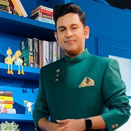 'Teri Mitti' lyricist Manoj Muntashir on conspiracy to keep outsiders away from Bollywood