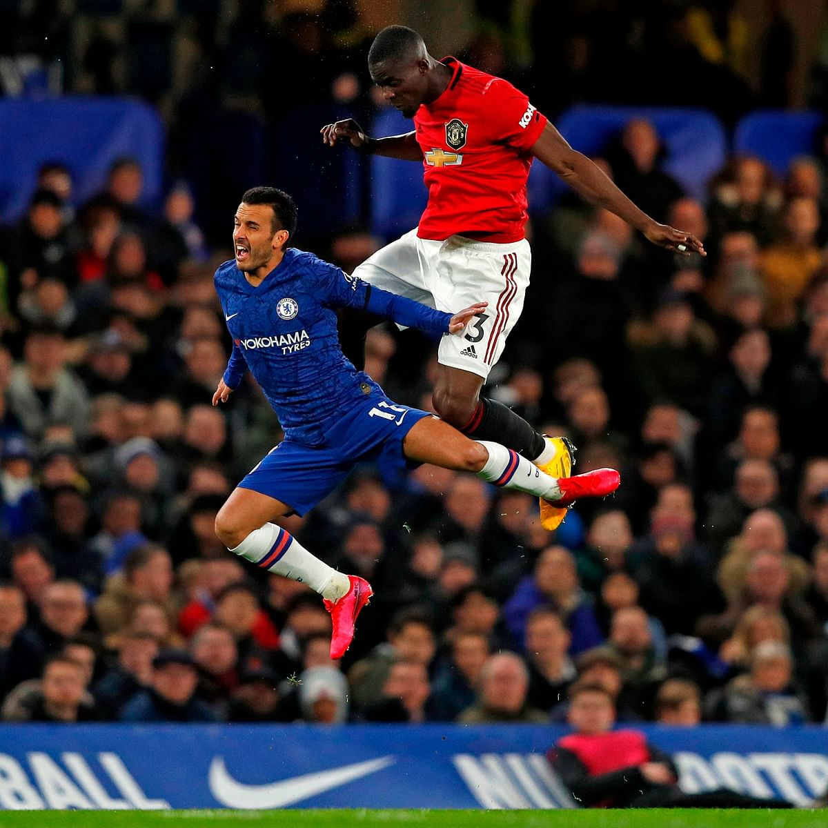 Man United dishes out 2-0 nightmare at Chelsea's home turf