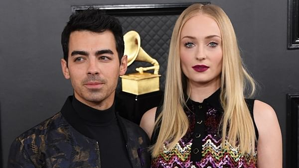 Sophie Turner and  Joe Jonas (L).