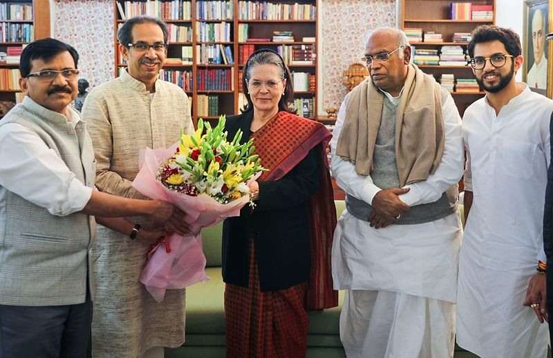Maha CM Uddhav Thackeray briefs Sonia Gandhi on his govt functioning