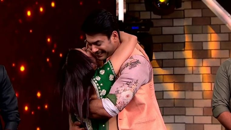 Sidharth Shukla, Shehnaz Gill have a reunion at 'Mujhse Shaadi Karoge' and #SidNaaz fans can't keep calm