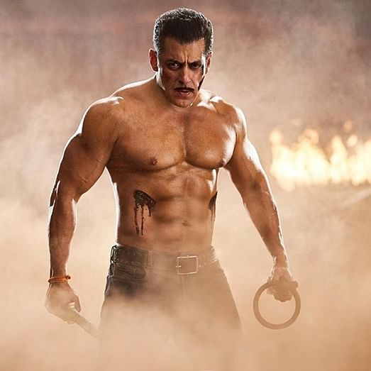 Salman Khan flaunts his ripped body in this throwback picture from 'Dabangg 3'