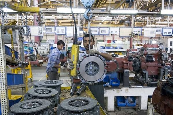 Manufacturing PMI records sharpest production slide in April