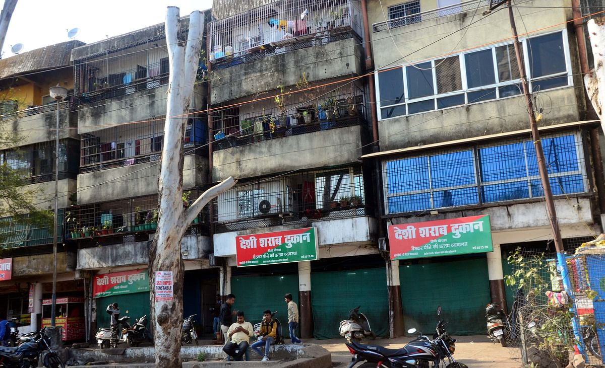 Bhopal: Wine shop a big nuisance for Shyamla Awasiya Parisar's residents