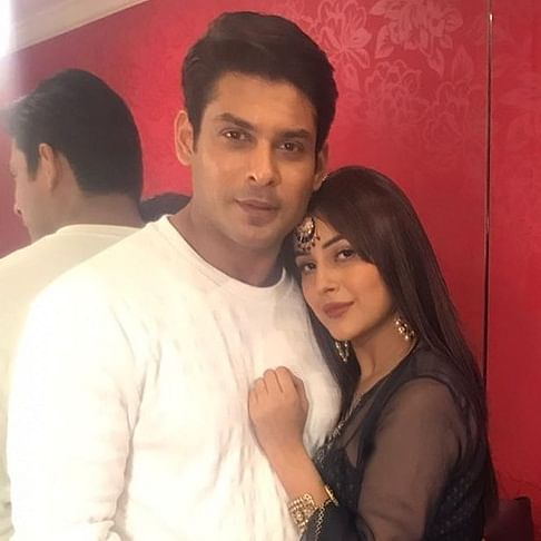 Bigg Boss 14: Sidharth Shukla revives SidNaaz trend after 'girlfriend at home' quip