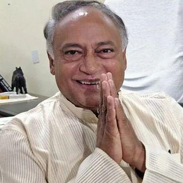 Bhopal: Computer Baba is a fake saint, says Laxman Singh