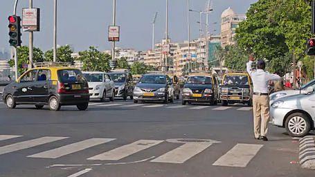 Mumbai: Traffic density reduces in city