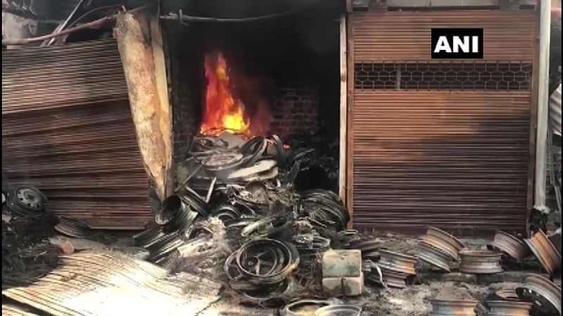 Delhi: Fire breaks out at tyre market in Karawal Nagar; fire tenders yet to reach spot