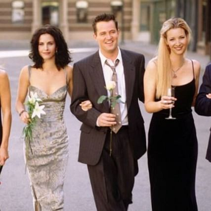 """WE WERE ON A BREAK!"": FRIENDS cast set to reunite for reunion episode after 15 years"