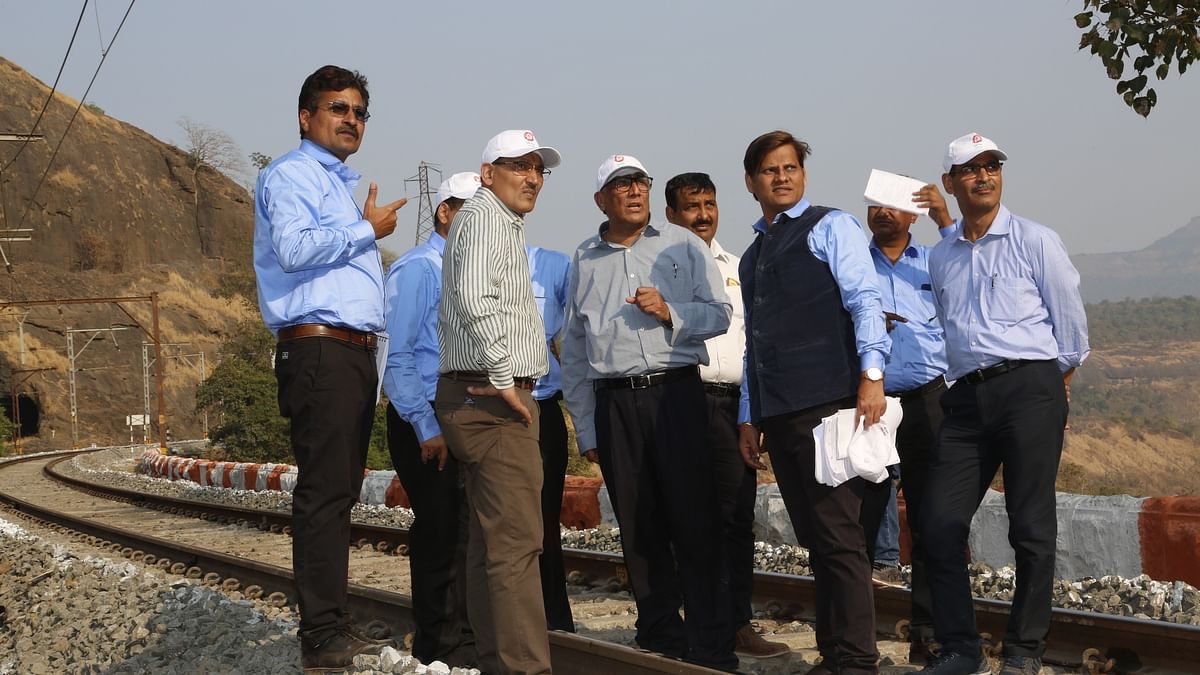 GM CR conducts annual inspection of Lonavala-Kalyan section on Mumbai Division