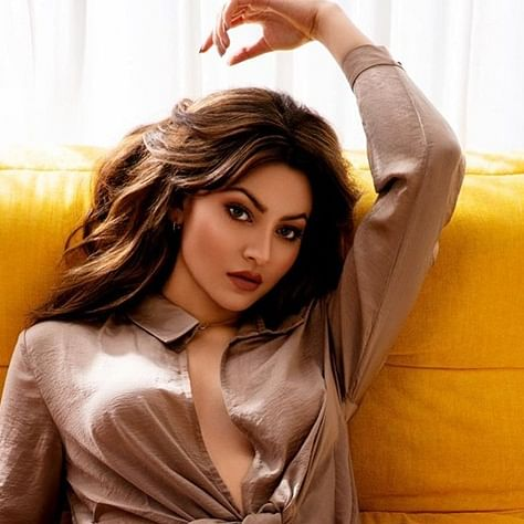 Did 'tweet copier' Urvashi Rautela really go to IIT?
