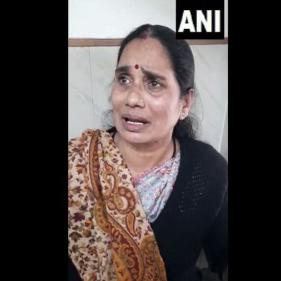 'I am losing faith and hope now...': Asha Devi breaks down after Delhi court offers Nirbhaya rape convict legal aid