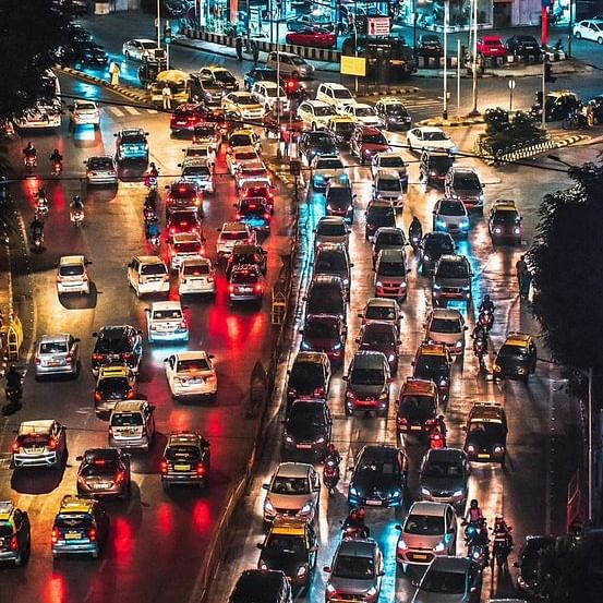 City violates traffic laws left, right & centre; state fares relatively better