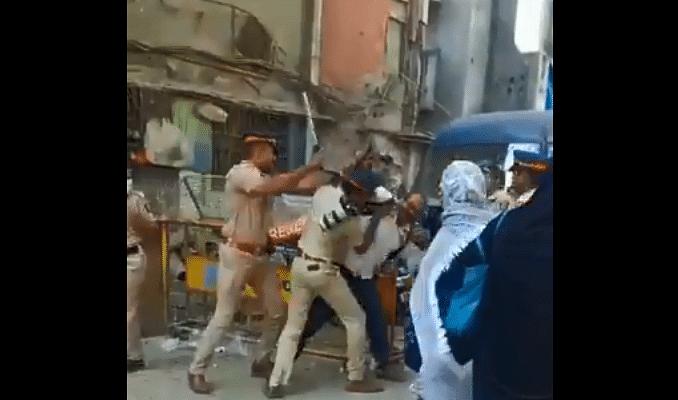Police attack senior photojournalist Ashish Raje at Mumbai Bagh; video goes viral