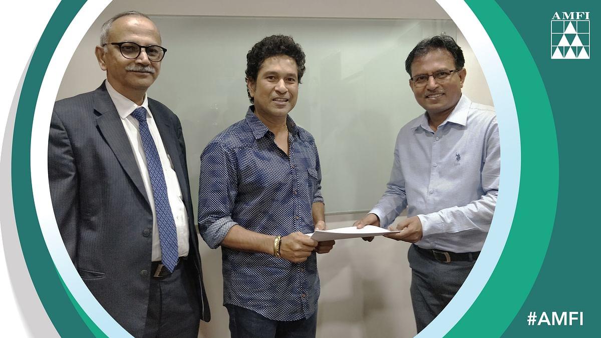 AMFI signs Sachin, Dhoni for 'Mutual Funds Sahi Hai' campaign