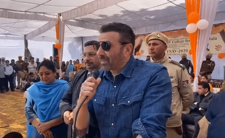 'Yeh dhai kilo ka haath...': Sunny Deol delivers his famous dialogue, dances in his constituency