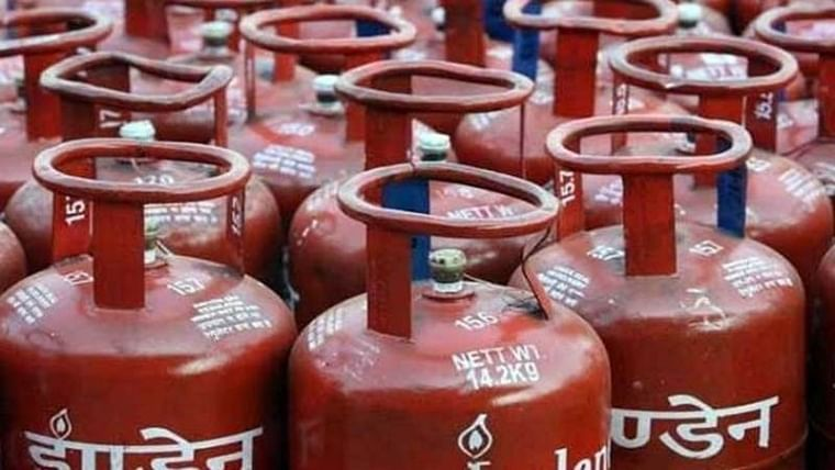 One killed, 11 injured by LPG cylinder blast in Ulhasnagar