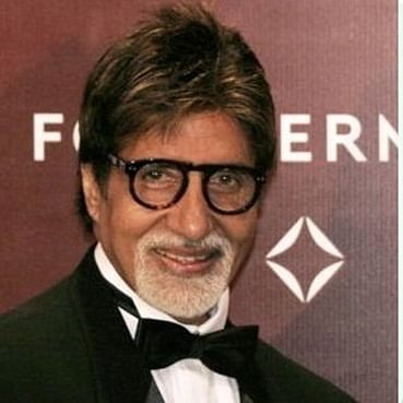 Amitabh Bachchan has a hilarious take on this picture shared by Sonam Kapoor