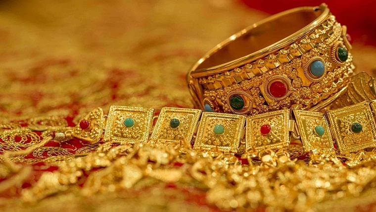 Gold Price Latest Update: Yellow metal price rises to Rs 49,324 per 10 gram
